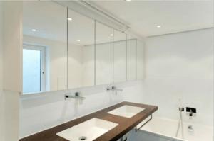 Badmöbel H Seitenansicht- Badezimmer, Privatbereich