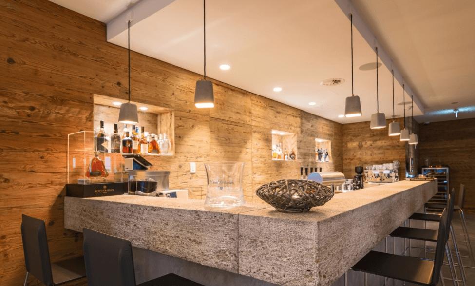 Restaurant Ottantanove Detailansicht Bar in Betonoptik - Objektbereich, Restaurants