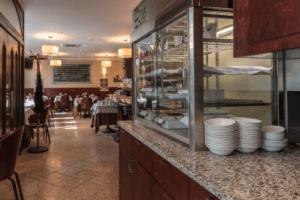 Restaurant Cucina Italiana Detailansicht Buffetmöbel und Theke - Objektbereich, Restaurants