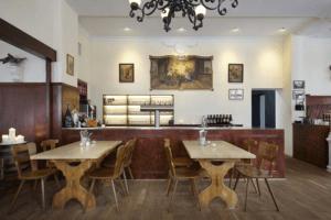 Restaurant Hohenwart Tische und Bar - Objektbereich, Restaurants