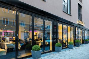 Hotel La Maison Eingangsbereich - Hotels, Objektbereich
