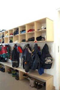 Kindergarten Werkstattkinder Garderobe mit Sitz-/Schuhbank - Objektbereich, Sonstiges