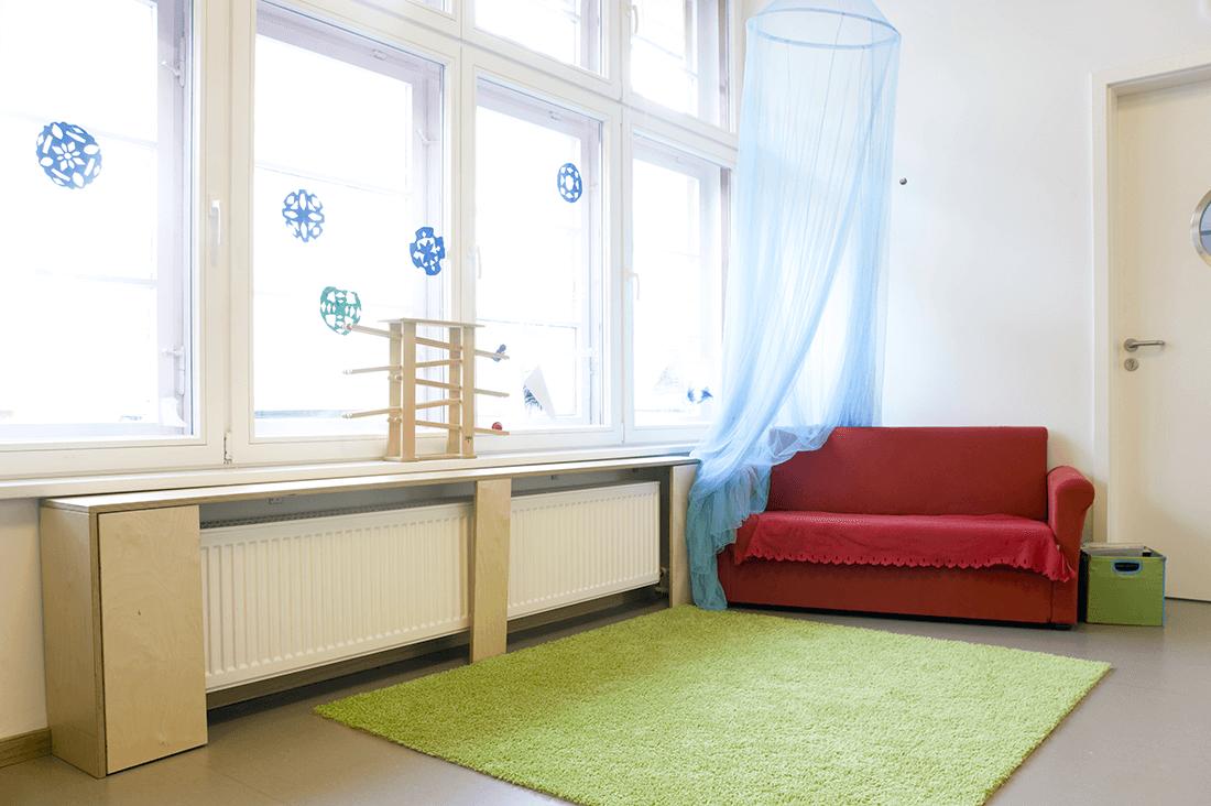 Kindergarten Werkstattkinder Heizkörperverkleidung - Objektbereich, Sonstiges